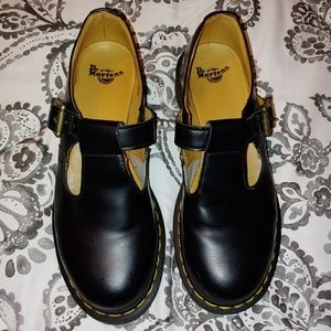 Dr. Martins black polley mary janes
